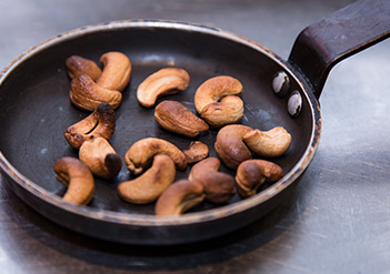 Toasted cashew nuts